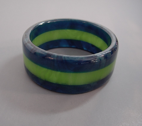 DOMBEK bakelite 3-row laminated bangle marbled blue and green