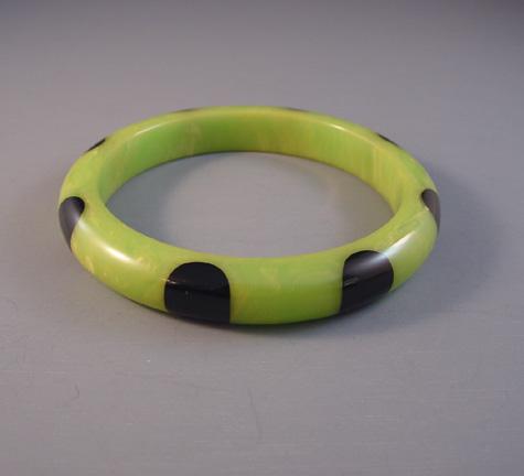 SHULTZ bakelite green with cream swirl dot bangle