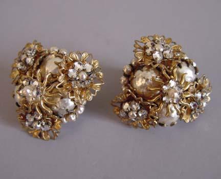 ROSE montees and artificial pearls set filigree earrings