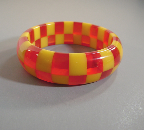 SHULTZ bakelite two row bangle in citrus yellow & transparent red