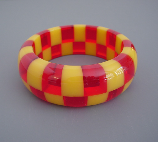 SHULTZ bakelite yellow and transparent red two row check bangle