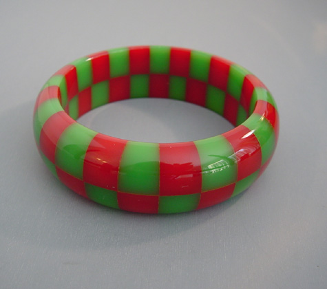 SHULTZ bakelite two row check bangle in opaque red and green