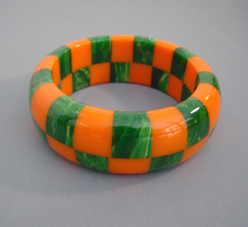 SHULTZ bakelite two row checked bangle in marbled orange and green