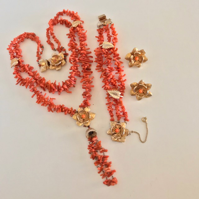 HOBE stick coral necklace, bracelet and earrings set