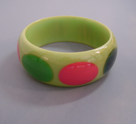 SHULTZ bakelite lime green swirl bangle with eight richly colored dots