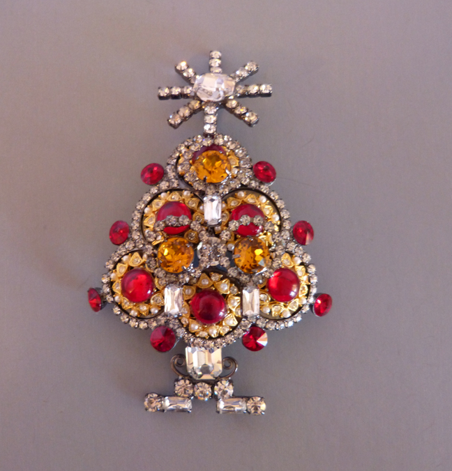 VRBA Christmas tree brooch with red round cabochon ornaments