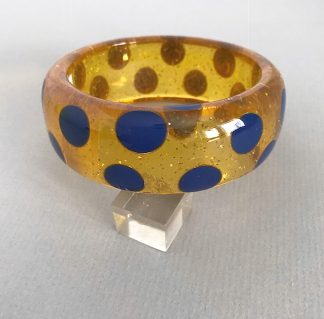 SHULTZ bakelite apple juice sparkles glitter bangle with beautiful blue dots