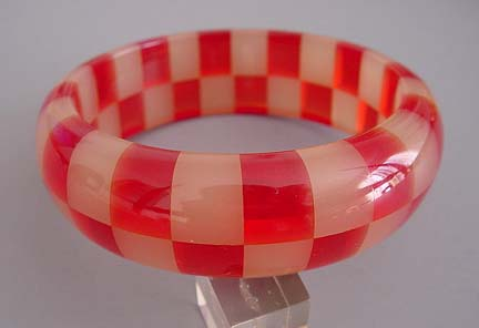 SHULTZ bakelite transparent red and smoky apple juice checked two row bangle