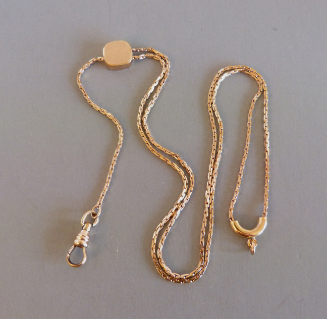 WATCH or lorgnette chain in gold tone, total length 40″.