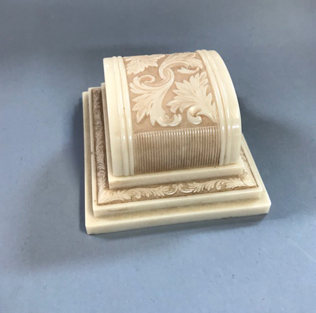 VINTAGE Deco style pale cream colored ring box with a cream velvet interior
