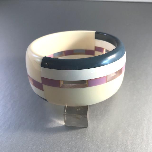 WELCH/SHULTZ bakelite bangle in cream, lavender and slate gray, really unusual