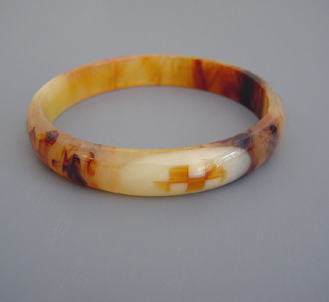 SHULTZ bakelite marbled bangle in cream and brown with cream and checkerboard dots