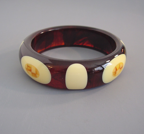 SHULTZ bakelite iced tea bangle with cream dots and checked caramel