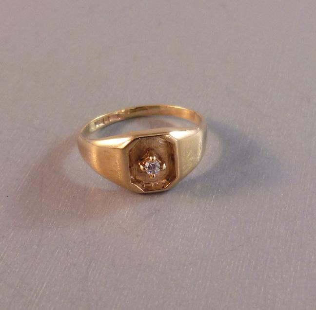 ENGLISH hallmarked 10 karat pinkie or baby ring in yellow gold