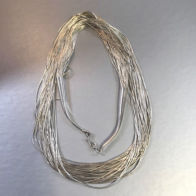 "NATIVE AMERICAN ""liquid"" sterling silver 30 strands necklace"