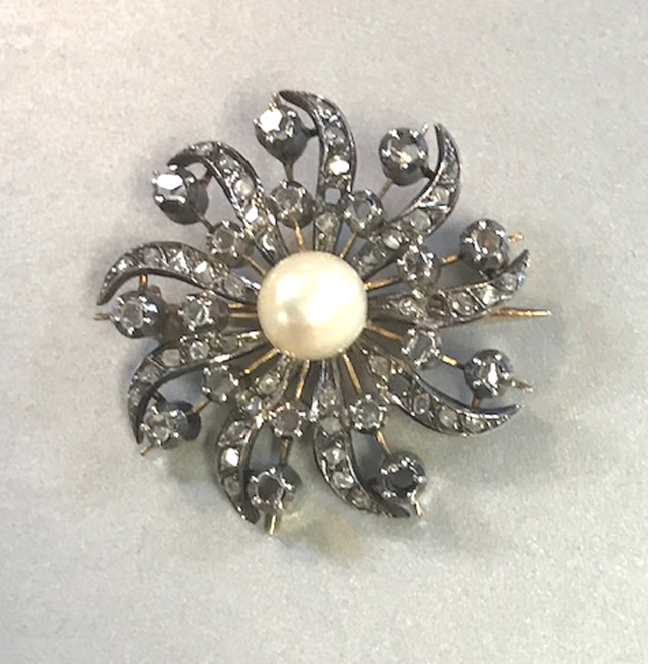VICTORIANdiamonds brooch set in silver topped 18 karat, Akoya pearl