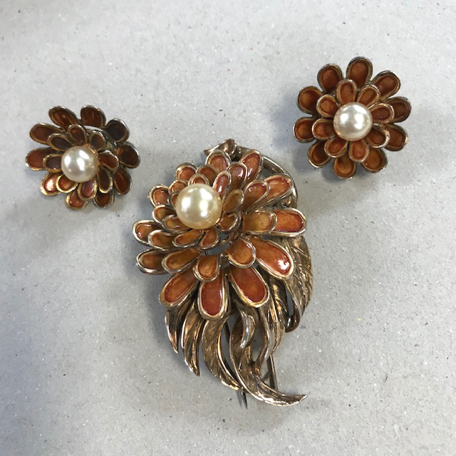 DEROSA flower fur clip and earrings with rows of cupped flower petals enameled light cinnamon color