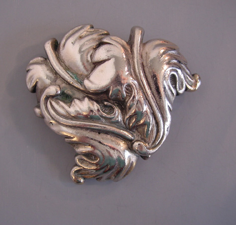 TRIFARI silver tone chunky leaves pin, beautifully shaped