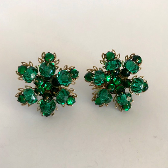 MIRIAM HASKELL green glass beads and rhinestones earrings set in gold tone open leaf shapes