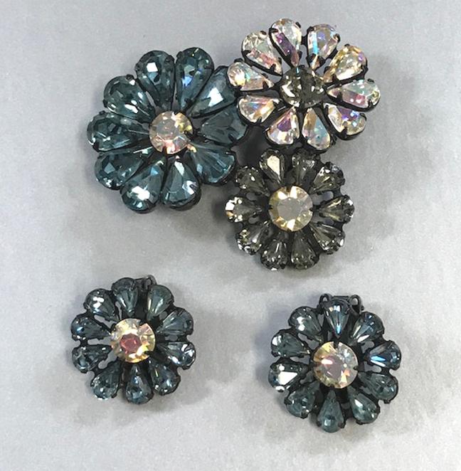REGENCY three flower brooch and earrings with teardrop shaped petals