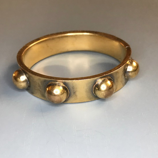 VICTORIAN hinged bangle bracelet in gold colored metal decorated with half round balls all the way around