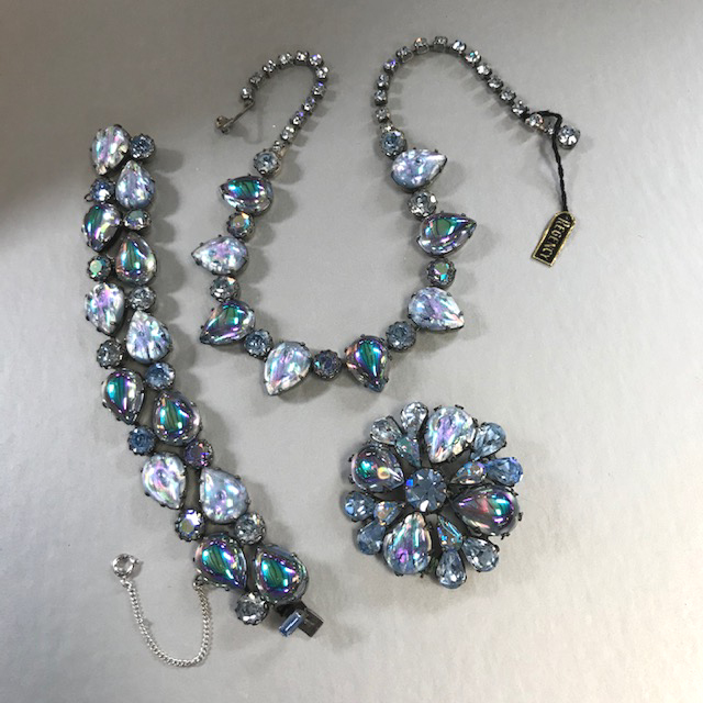 """REGENCY parure with amazing blue teardrop shaped rhinestones, some of which are pastel cabochons with """"dimples"""" inside them and some are cabochons"""